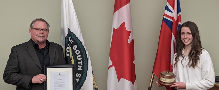 Mayor Bryan McGillis and Alexa Zummach, winner of Youth Volunteer Award