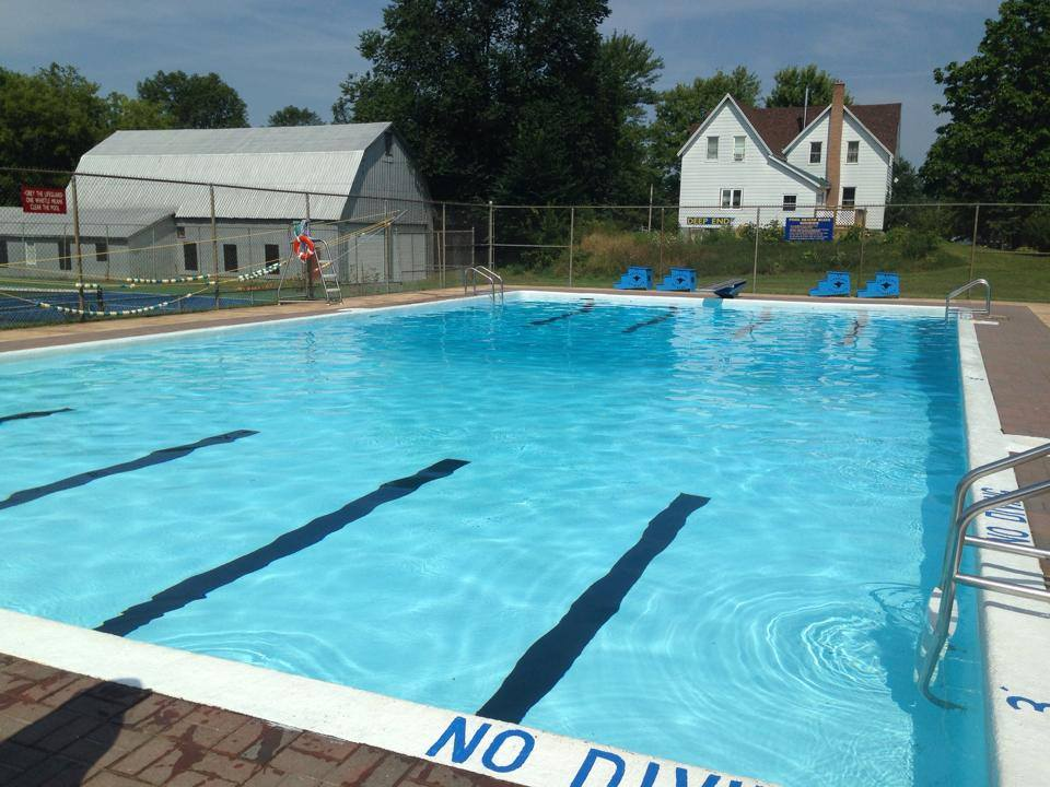 St. Andrews West outdoor pool